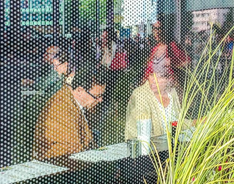 Lunch at Art Basel 2015 © Jan Oberg