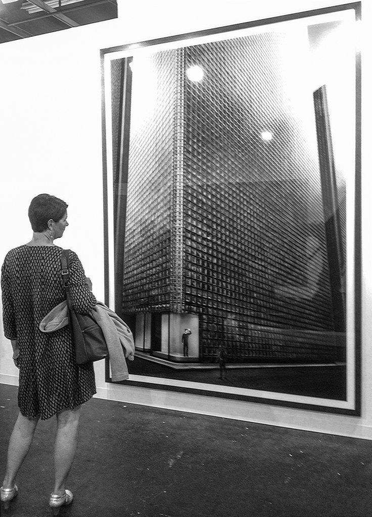 """""""Pictures At An Exhibition"""" - Woman And Gursky © Kan Oberg 2015"""