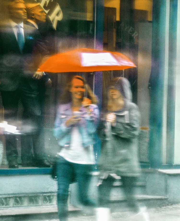 """Umbrella Girls""  2013 © Jan Oberg"