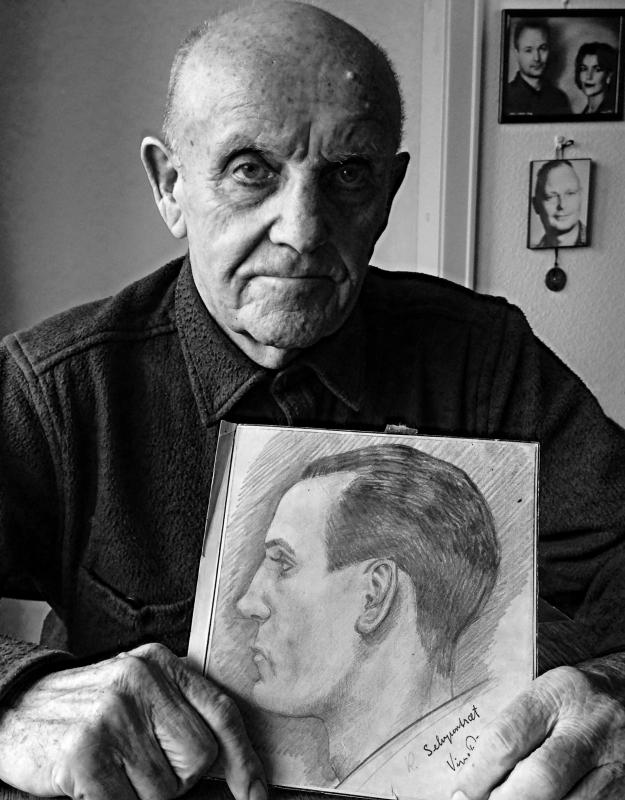 Rivad med et selvportræt, fotograferet i marts 2015 © Jan Øberg